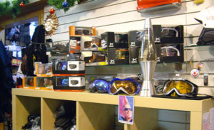 Ski and snowboard snow accessories shop in Federal Way and Kent, WA - Moxies.