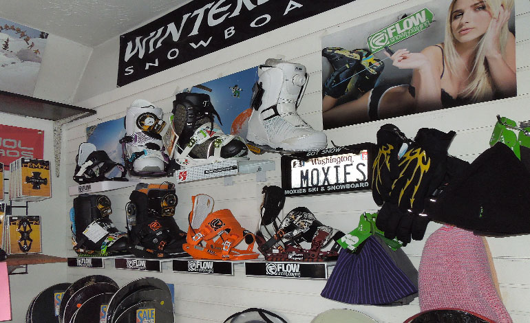 Snowboard Boots and Bindings - Find your snow gear at Moxies in Kent, WA